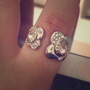 Henri Bendel Two Tone Flower Ring 9